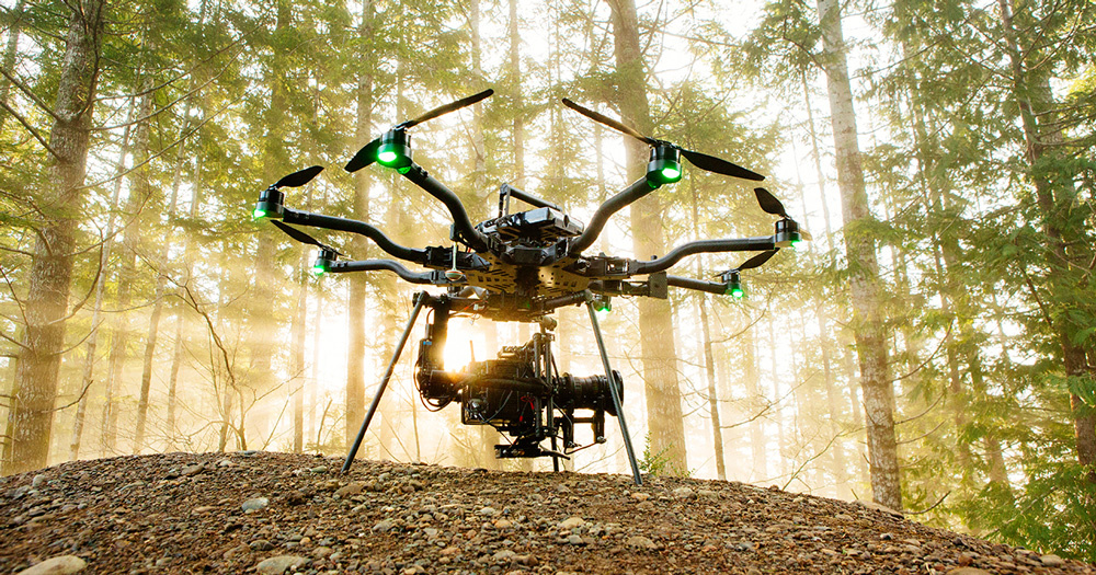 7 DRONES THAT CAN LIFT HEAVY WEIGHTS – HOW MUCH CAN A DRONE LIFT?